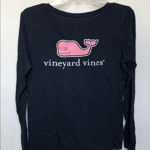 Long-sleeve whale print vineyard vines tee
